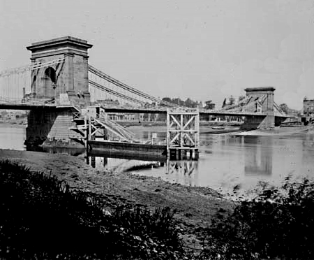 First Hammersmith Bridge, Henry Taunt, 1885