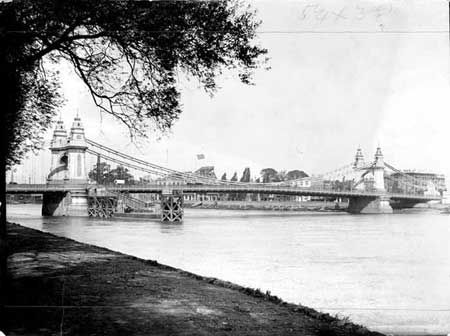 Current Hammersmith Bridge, Henry Taunt, 1890