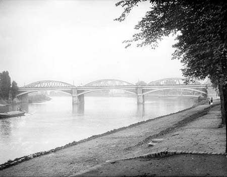 Barnes Railway Bridge, Henry Taunt, 1890s