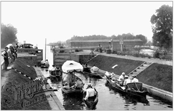 1907: Bell Weir Lock, Francis Frith