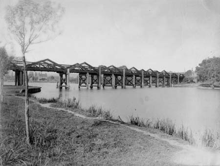 First Bourne End Railway Bridge, Henry Taunt, 1880