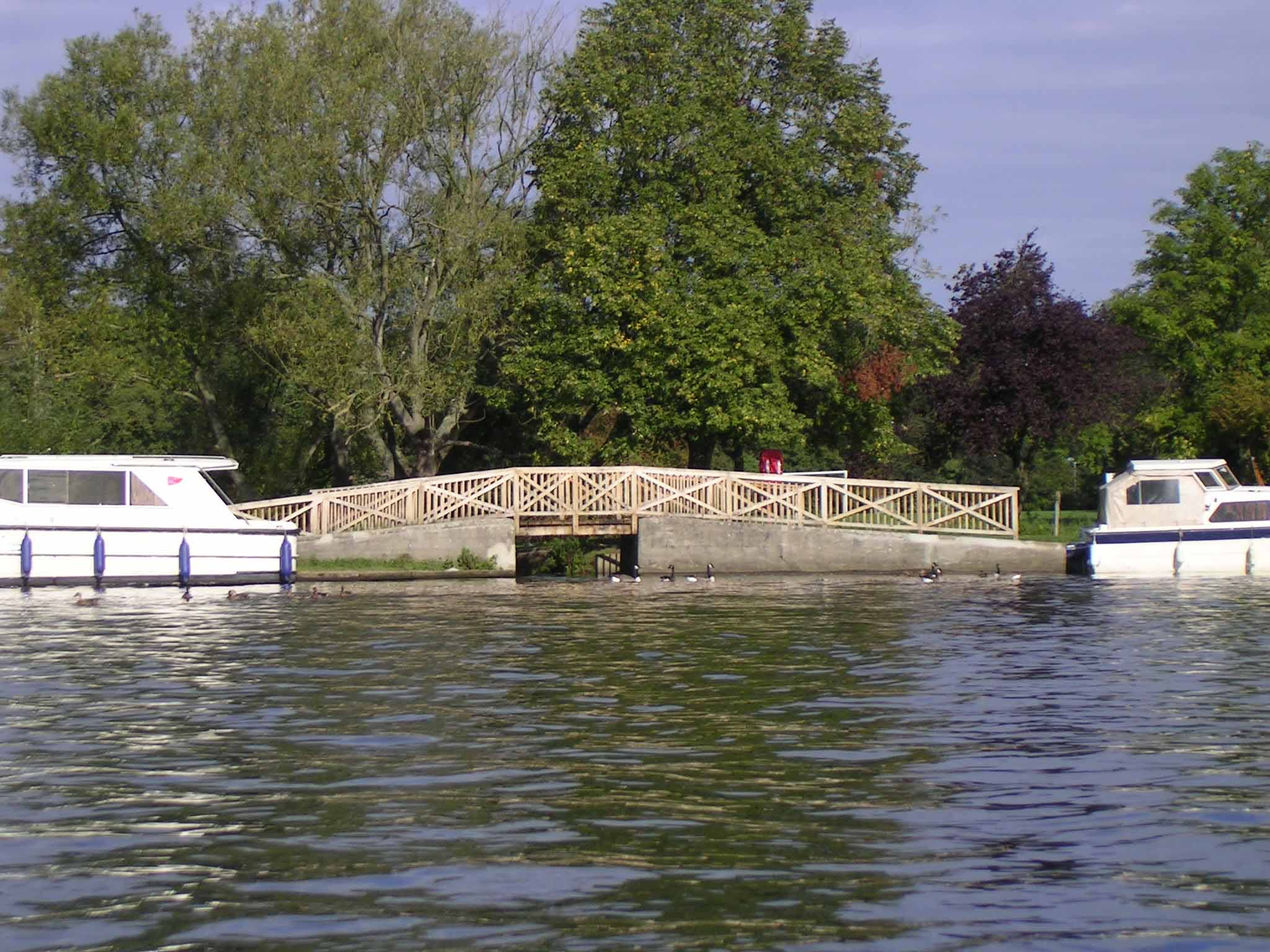 Towpath Bridge above Marlow, 2004