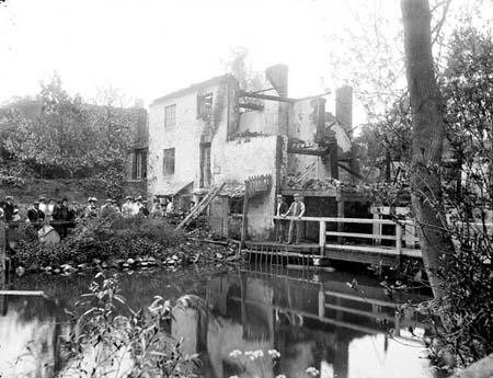 Iffley Mill in ruins, Henry Taunt, 1908