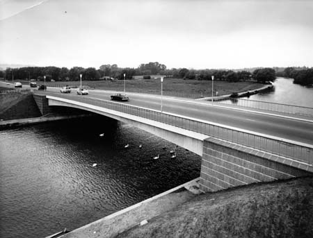 Donnington Bridge, Thomas Photos, 1963