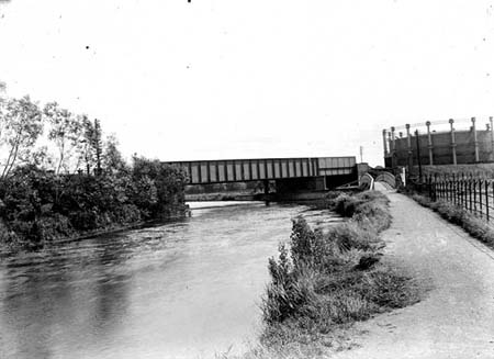 Great Western Railway Bridge, Henry W Taunt, 1920