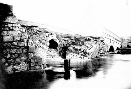 Osney Bridge collapsed, Taunt 1885