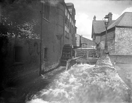 Morrells Brewery Waterwheel on the Whareham Stream, Henry Taunt, 1920